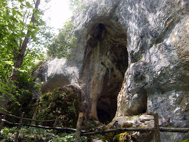 Uvac caves